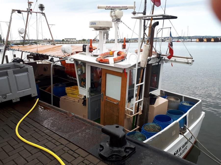 fischerboot im hafen von gager auf ruegen   Reiseblog Rügen