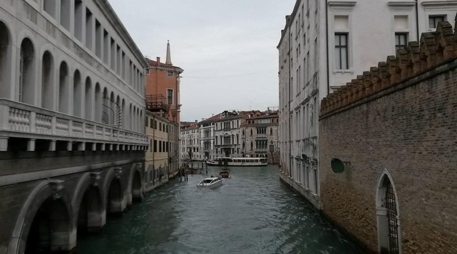 kanal in stadt venedig italien | Reiseblog Rügen