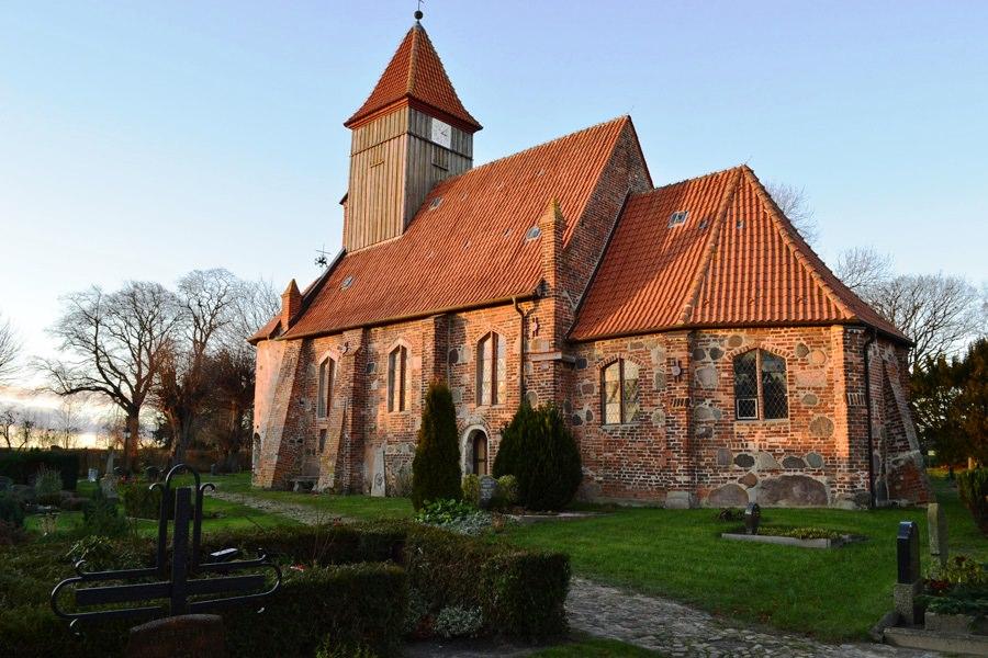 kirche in middelhagen auf ruegen | Reiseblog Rügen