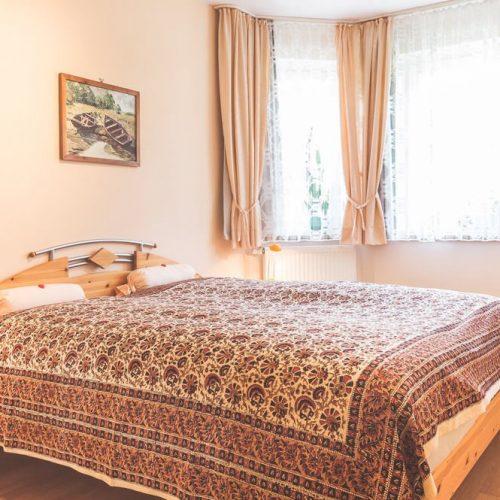 schlafzimmer ferienwohnung goehren ruegen fewo zum alten pfau | Reiseblog Rügen