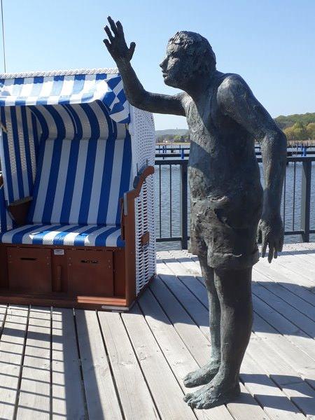 statue am hafen selliner see auf ruegen | Reiseblog Rügen