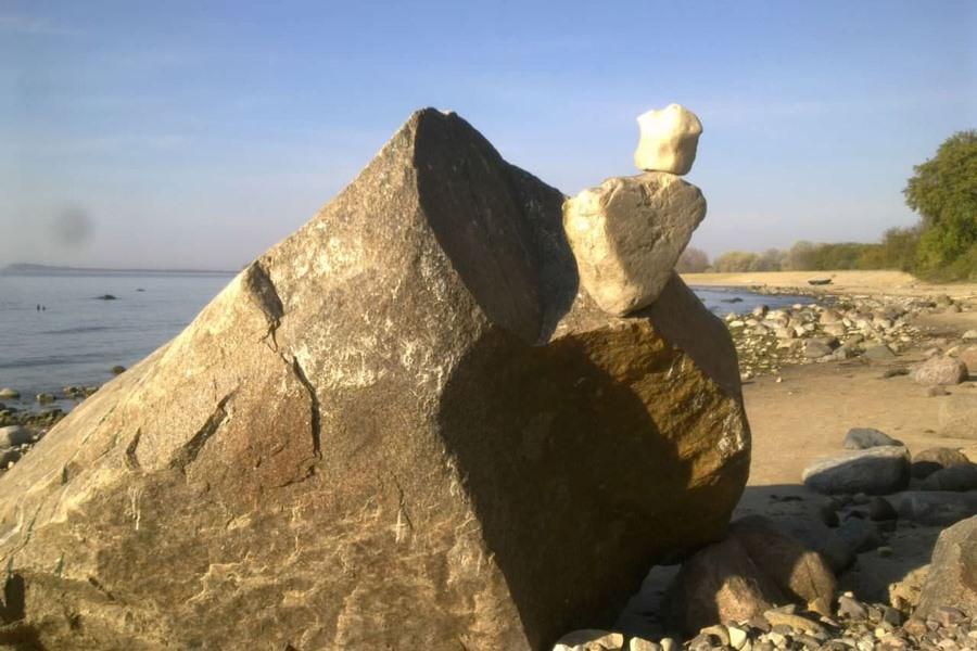 steine im ostseebad goehren auf der insel ruegen | Reiseblog Rügen