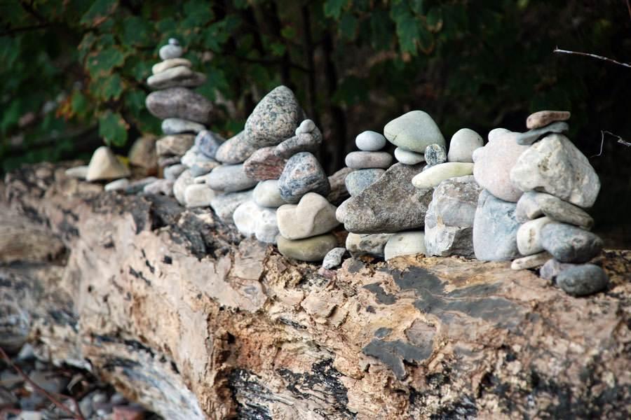 steintuerme auf ruegen am strand   Reiseblog Rügen