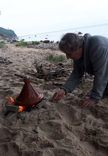 tajine traditionelles kochen am strand von ruegen   Reiseblog Rügen